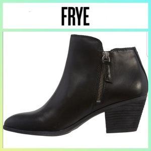 FRYE Judith Zip Ankle Bootie SZ 10